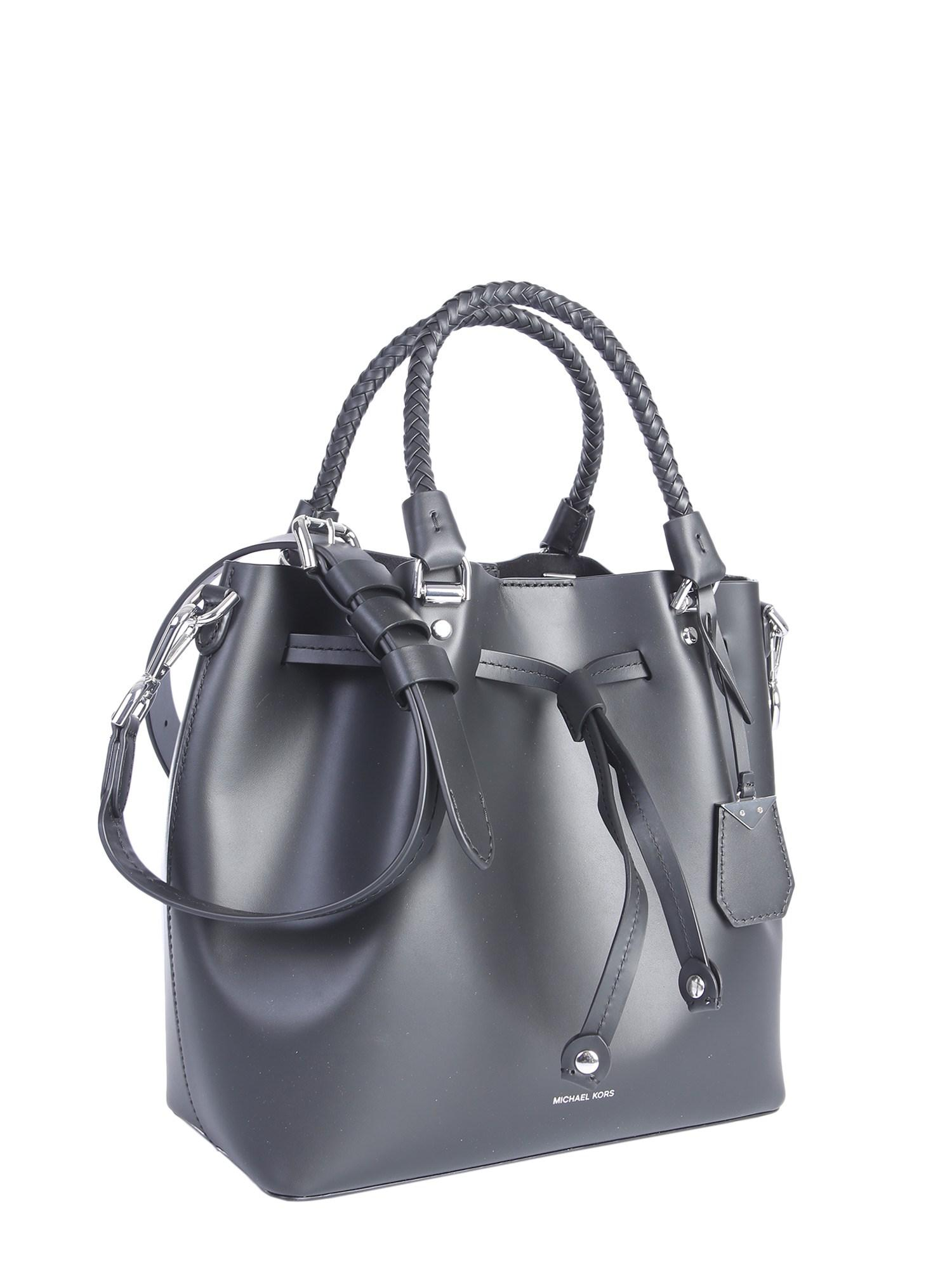 6d392292f624 MICHAEL Michael Kors - Black Blakely Leather Bucket Bag - Lyst. View  fullscreen
