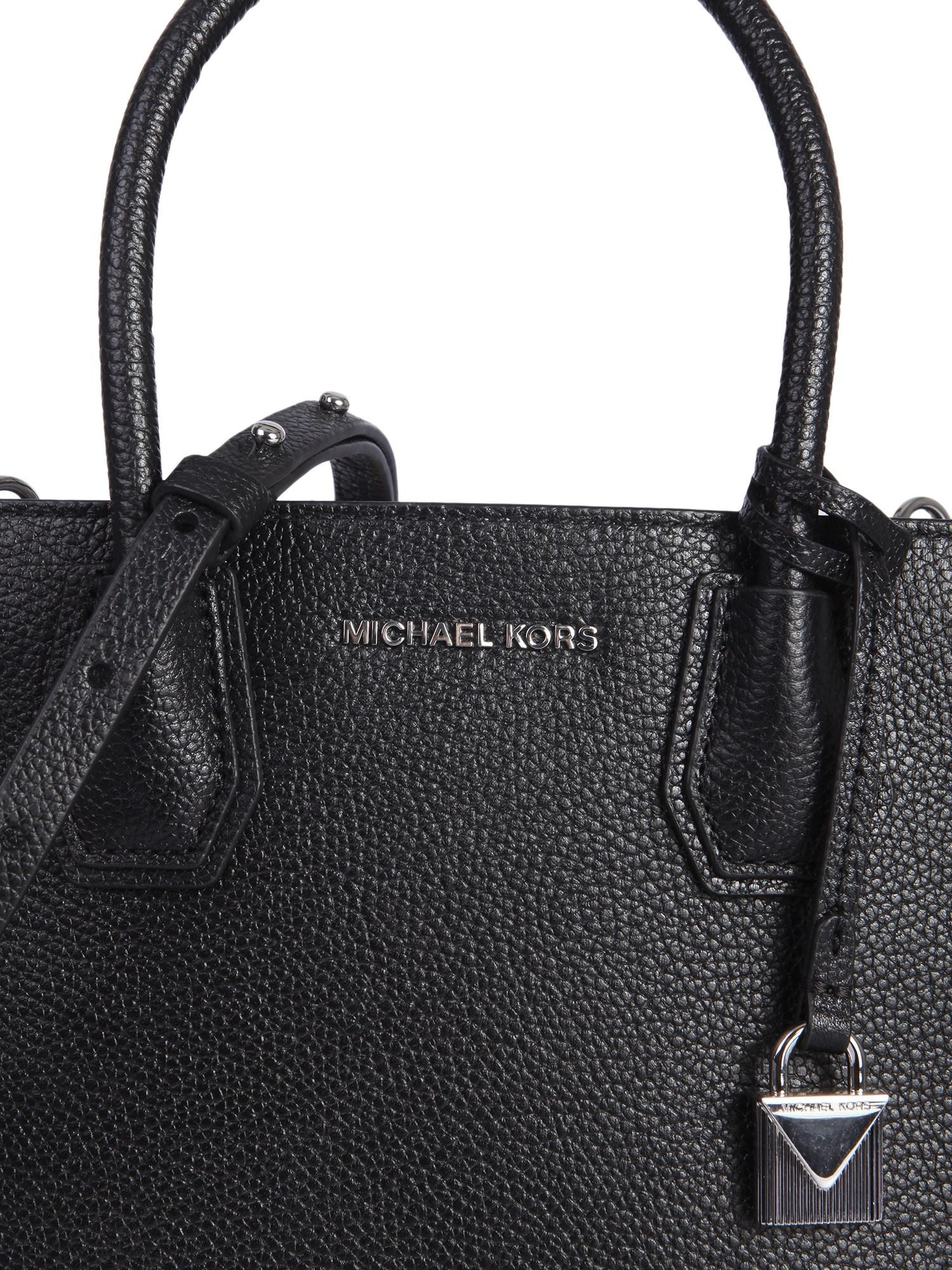 a9313322cc0a MICHAEL Michael Kors - Black Messenger Medium Mercer In Pelle Martellata -  Lyst. View fullscreen