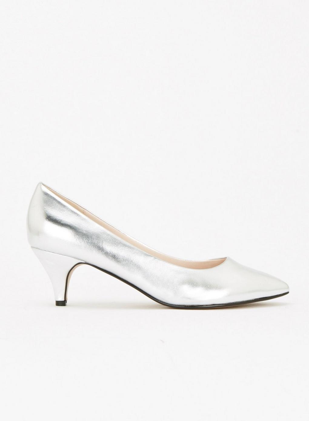 418c87926d2c Evans Extra Wide Fit Silver Kitten Heel Court Shoes in Metallic - Lyst