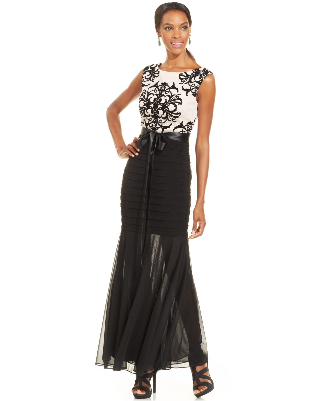 Lyst - Betsy & Adam Petite Contrast-Lace Illusion Mermaid Gown in Black