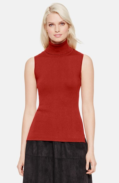 Vince Camuto Sleeveless Ribbed Turtleneck Sweater In Red