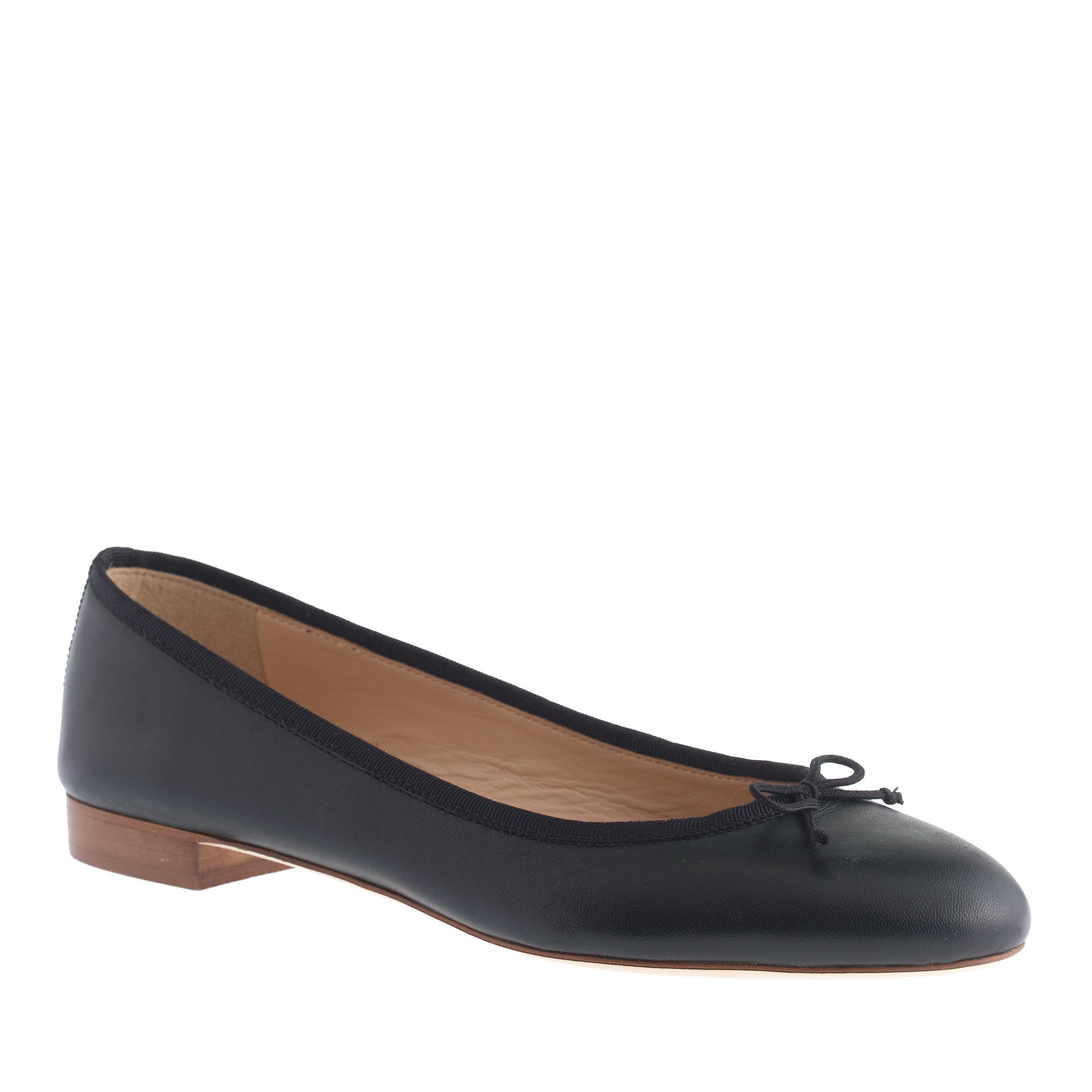 "Looking for ballet flats that are sure to be your everyday go-to? Take a gander at our sleek 'n' chic selection, feature pointed-toe flats in classic hues like black and navy. Or go for on-trend suede in a camel-colored shade, or a pair of ballet flats featuring sassy laces and ankle ties for a seriously stylish take on this timeless shoe.""."