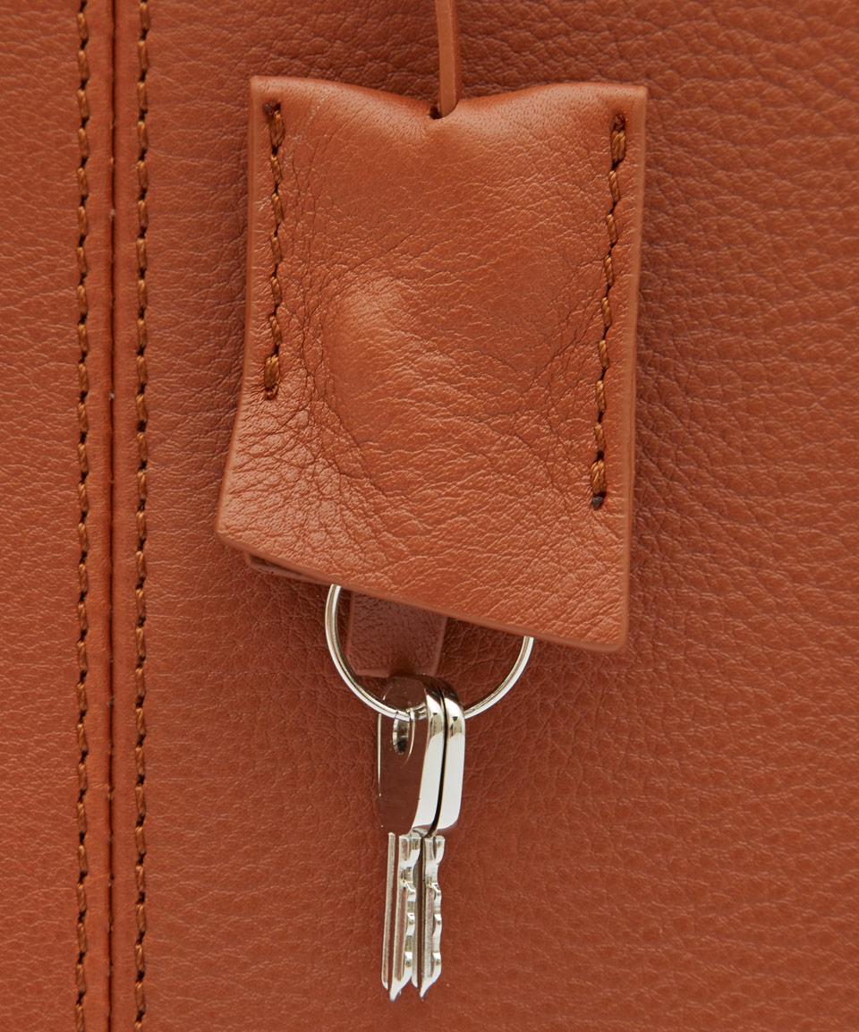 Want Les Essentiels De La Vie Tan Trudeau 14 Leather