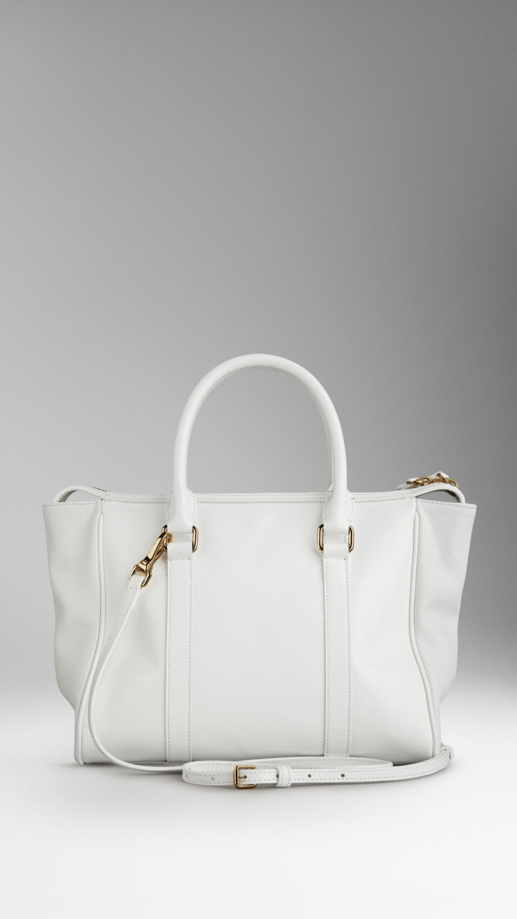 Burberry Medium Patent London Leather Tote Bag in White | Lyst