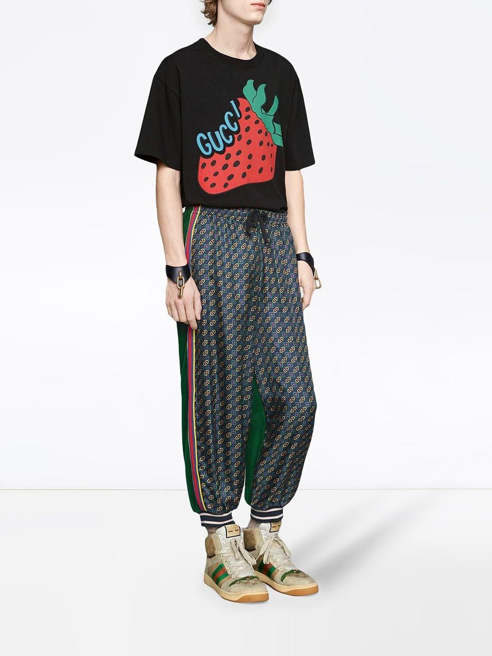 72a2b70c9 Gucci T-shirt With Strawberry Print in Black for Men - Save 49% - Lyst