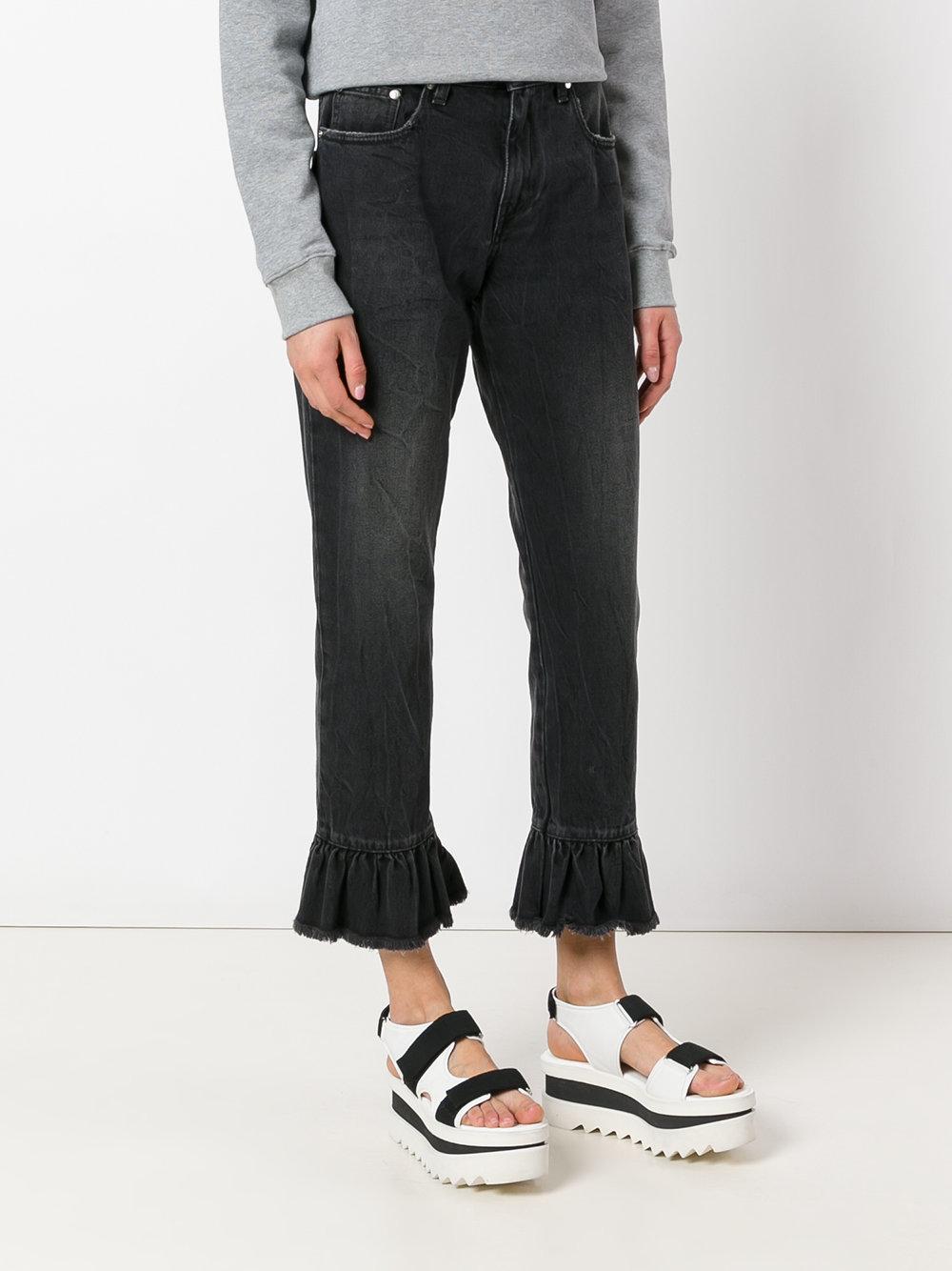 Distressed Women Jeans