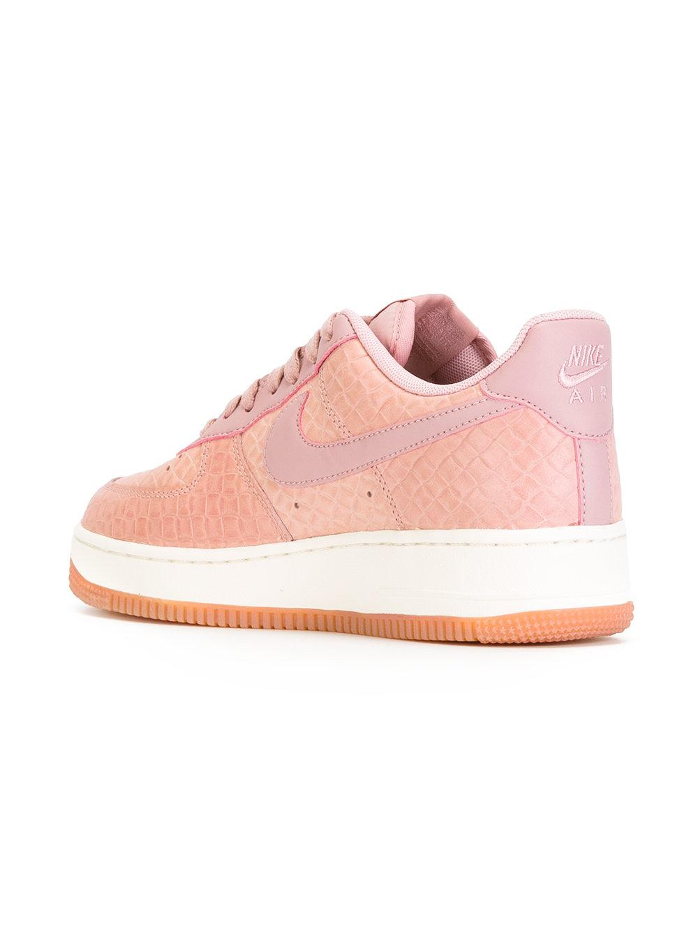 Nike Air Force 1 07 Premium W shoes pink