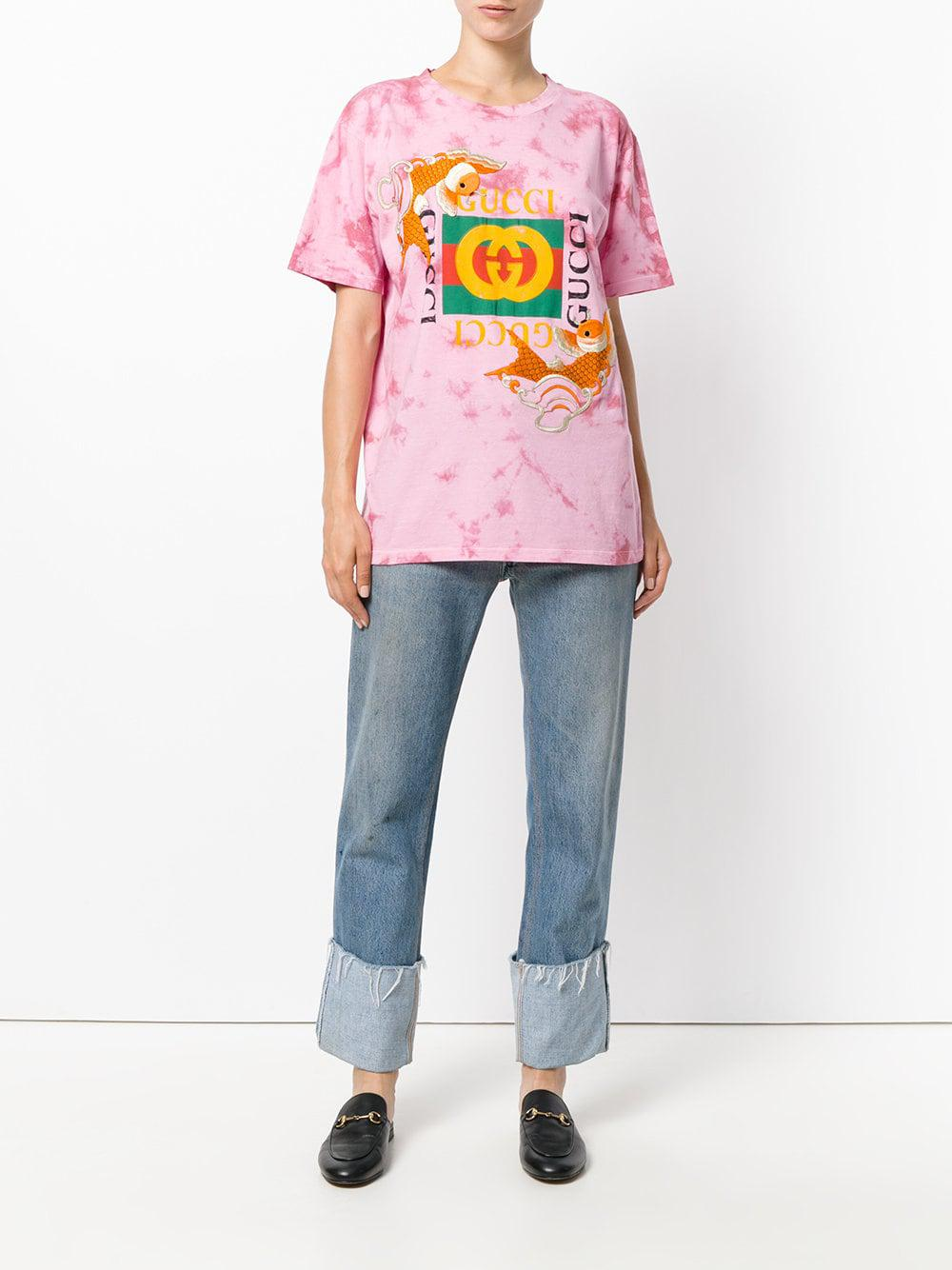 17f3c623f66 Lyst - Gucci Fish Embroidered Logo T-shirt in Pink