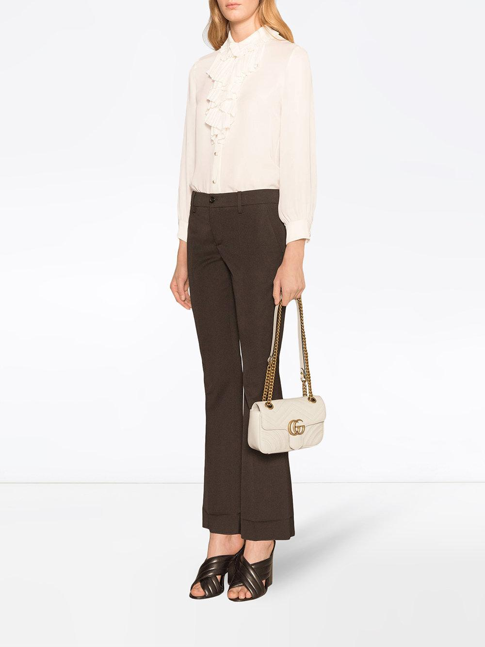 c154f9c28ff Lyst - Sac a chaine blanc Mini GG Marmont Gucci en coloris Blanc - 13 % de  réduction