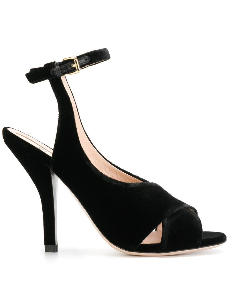 Lyst - Fendi Sandali in Black f773e1cd2d3