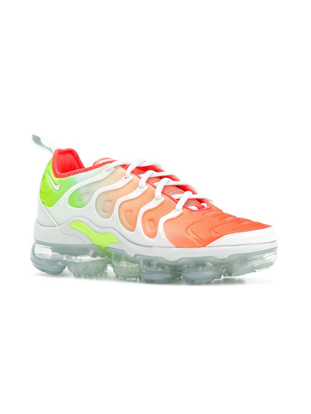 a26e005021 Nike Air Vapormax Plus Sneakers - Lyst