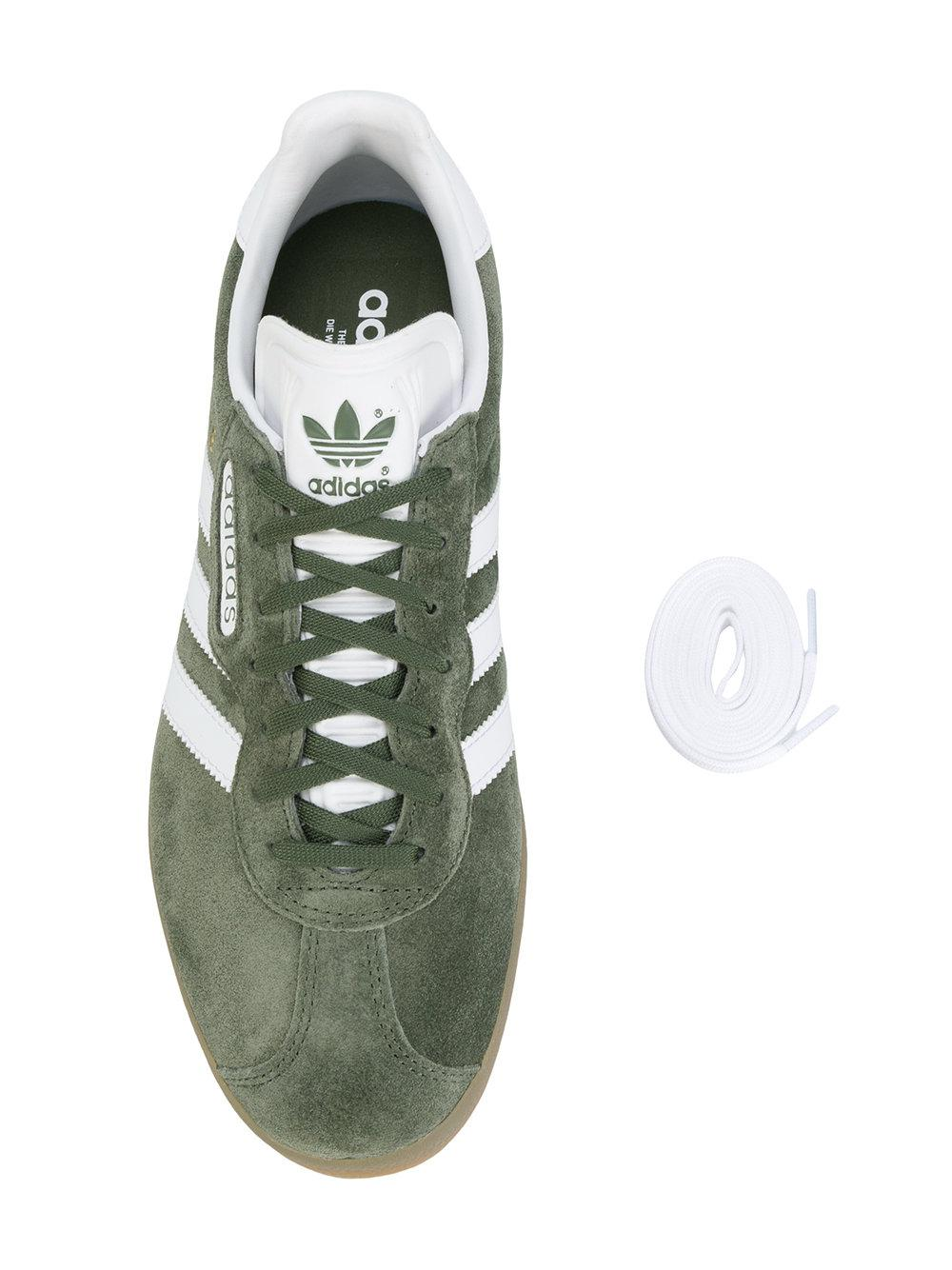 cheap for discount d3312 201a2 Gallery. Previously sold at Farfetch · Mens Adidas Gazelle