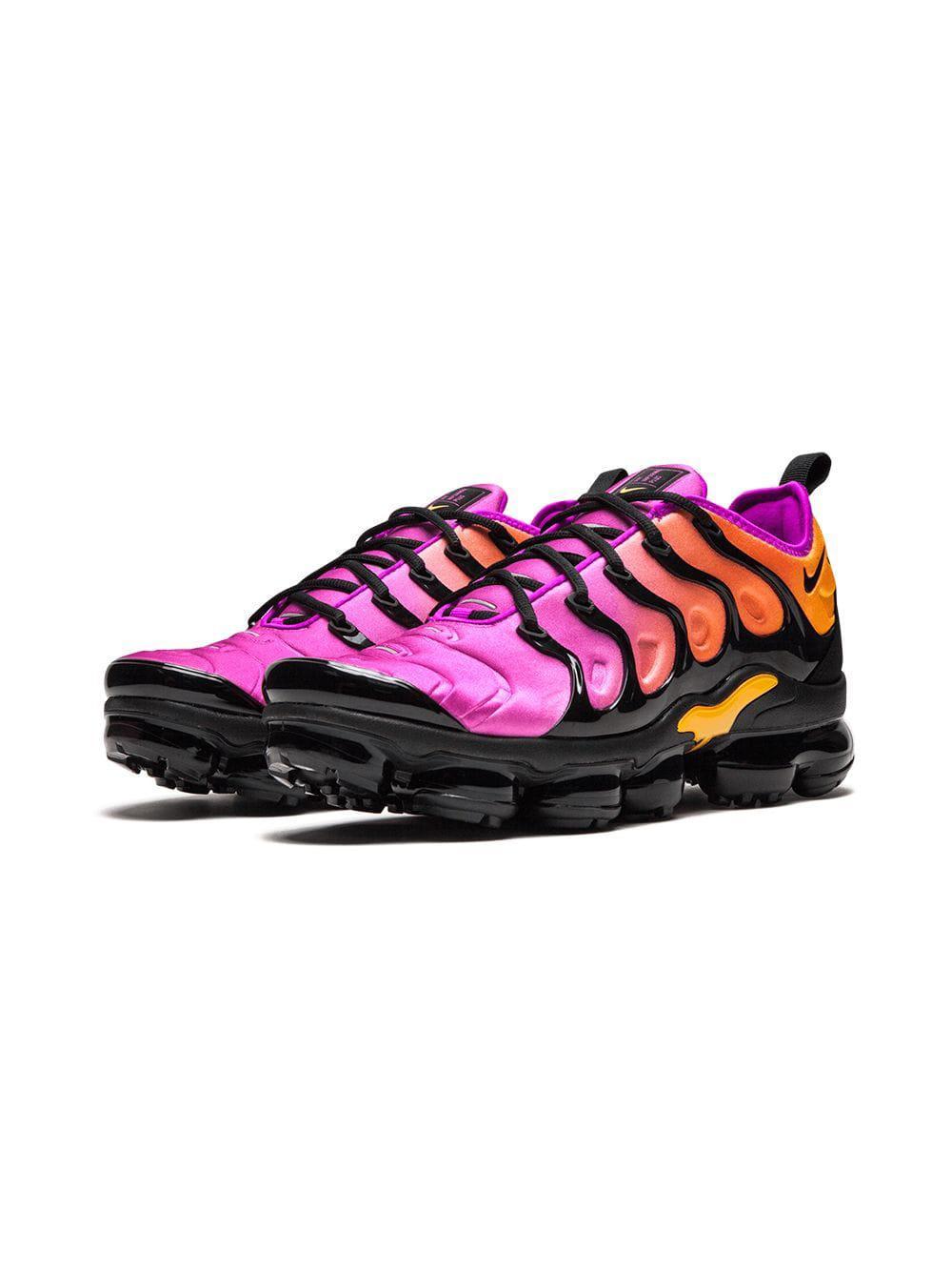 1ac15bab92 Nike Air Vapormax Plus Sneakers in Black - Lyst
