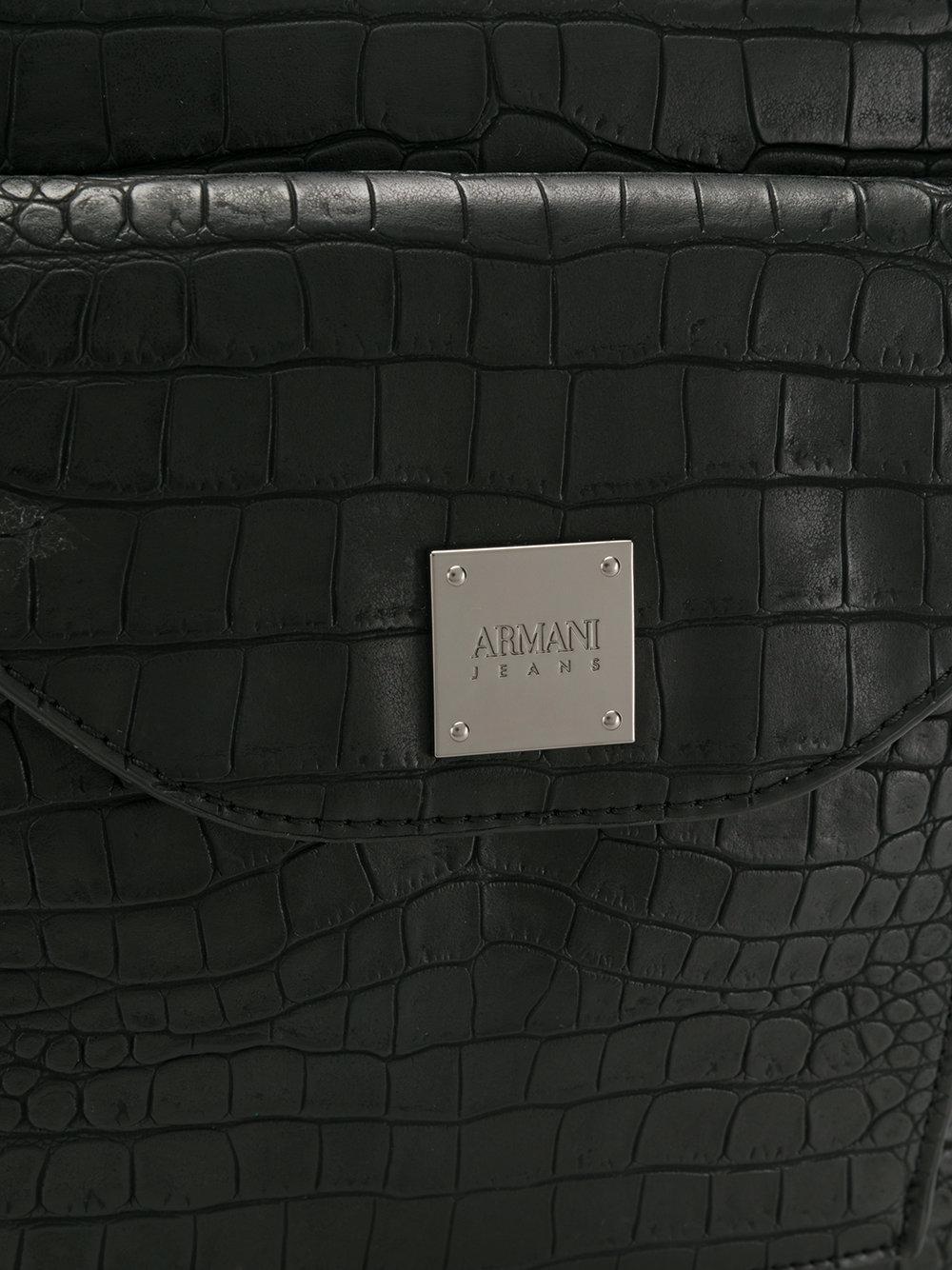 6e58b9691b3 Lyst - Sac porté épaule à effet peau de crocodile Armani Jeans pour ...