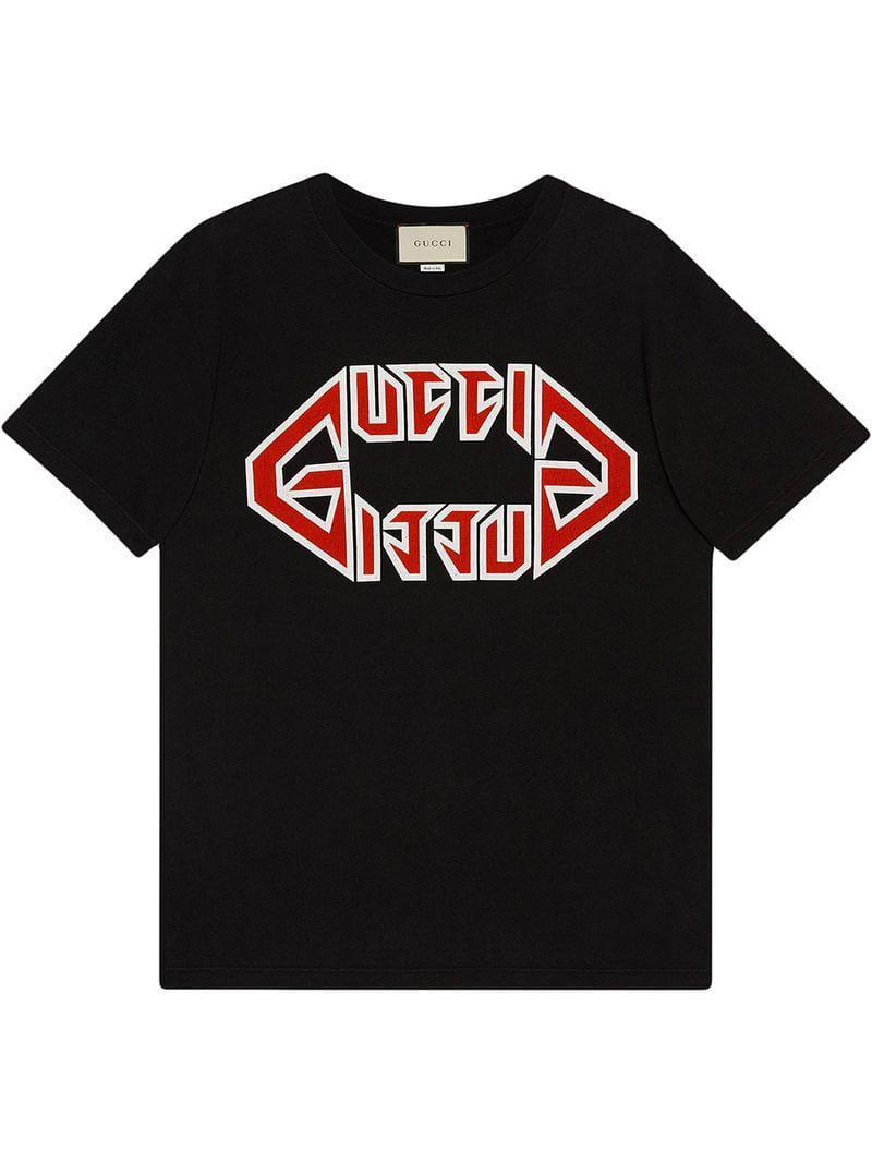 Gucci - Black Camiseta oversize con estampado fuente metal for Men - Lyst.  Ver en pantalla completa 1eab0acc1fe