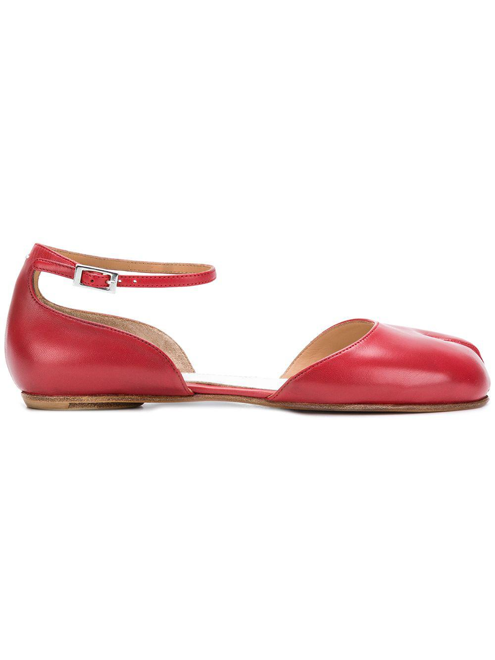 9780a25b28af60 maison-martin-margiela-Red-Ankle-Strap-Ballerina-Tabi-Shoes.jpeg