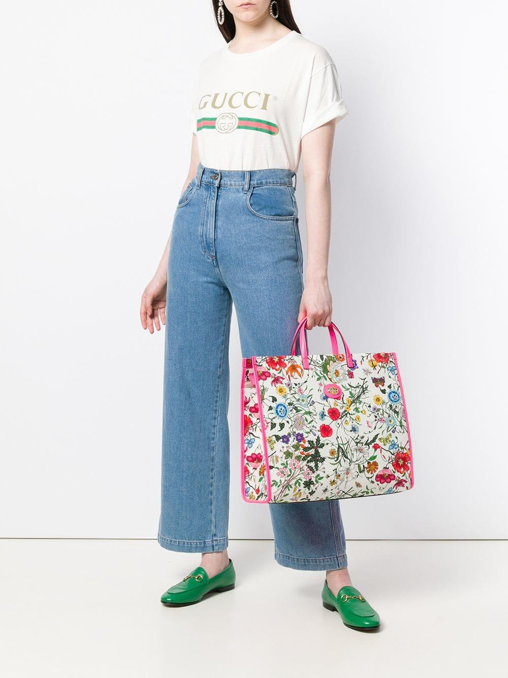 63007140ed5b Gucci Floral Print Tote Bag in White - Lyst