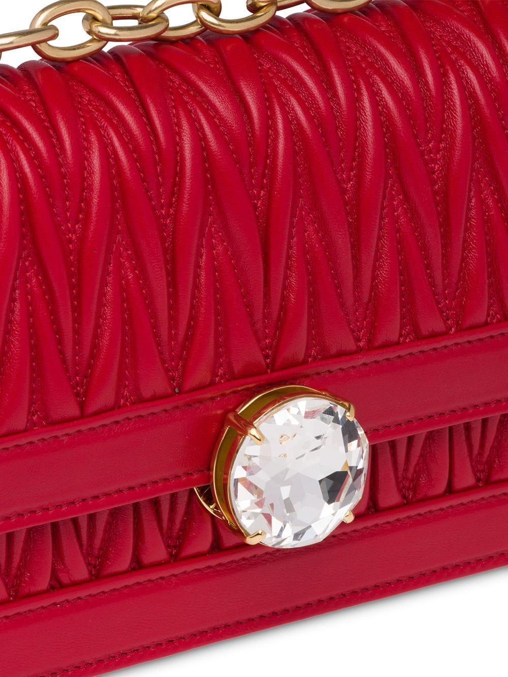 48120bc56b89d Miu Miu Miu Solitaire Matelassé Shoulder Bag in Red - Lyst