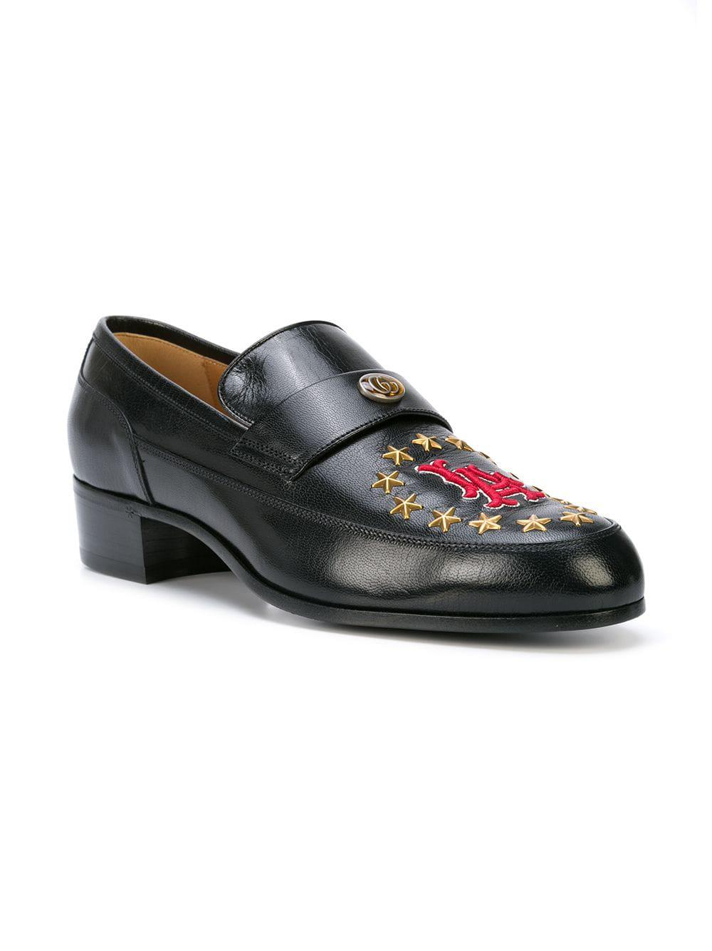 24f12d550aa Lyst - Gucci Leather Loafer With La Patch in Black for Men