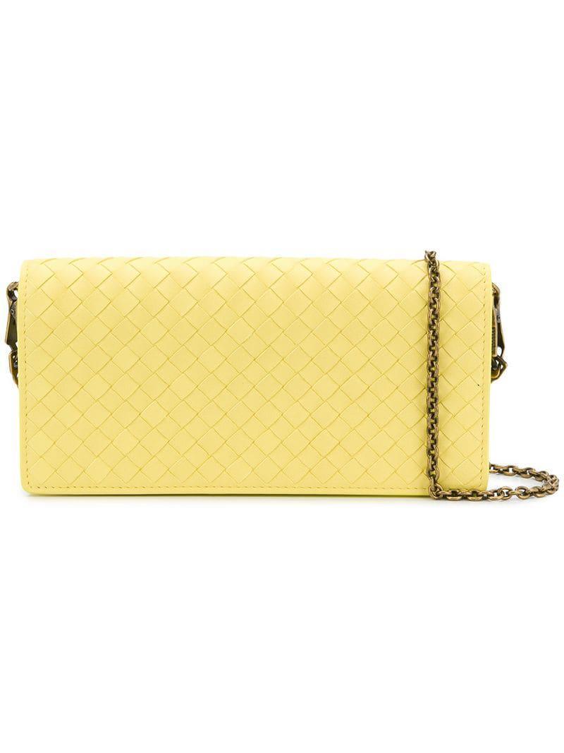 ea47ec3cf Bottega Veneta. Bolso de mano Intrecciato de mujer de color amarillo
