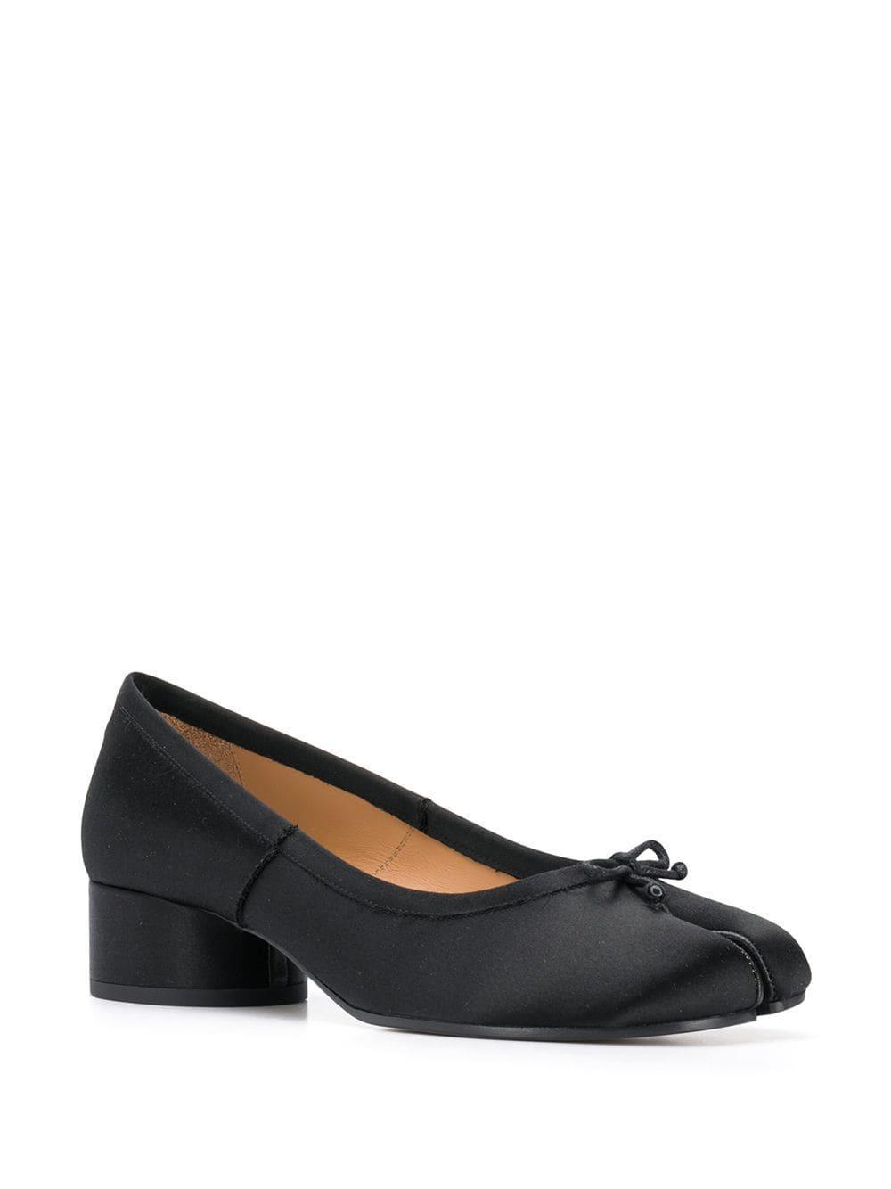 fd0b071d9ea9 Lyst - Maison Margiela Tabi Toe Ballerina Pumps in Black