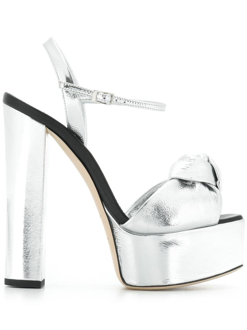 La Cantidad De La Venta En Línea Venta Costo En Línea Giuseppe Zanotti Design Lavinia sandals - Metallic farfetch crema Barato Disfrutan KnSLwu