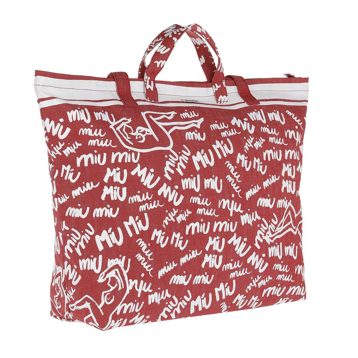Miu Miu Scribble Print Canvas Tote Rosso bianco in Red - Save ... bdf55160a8