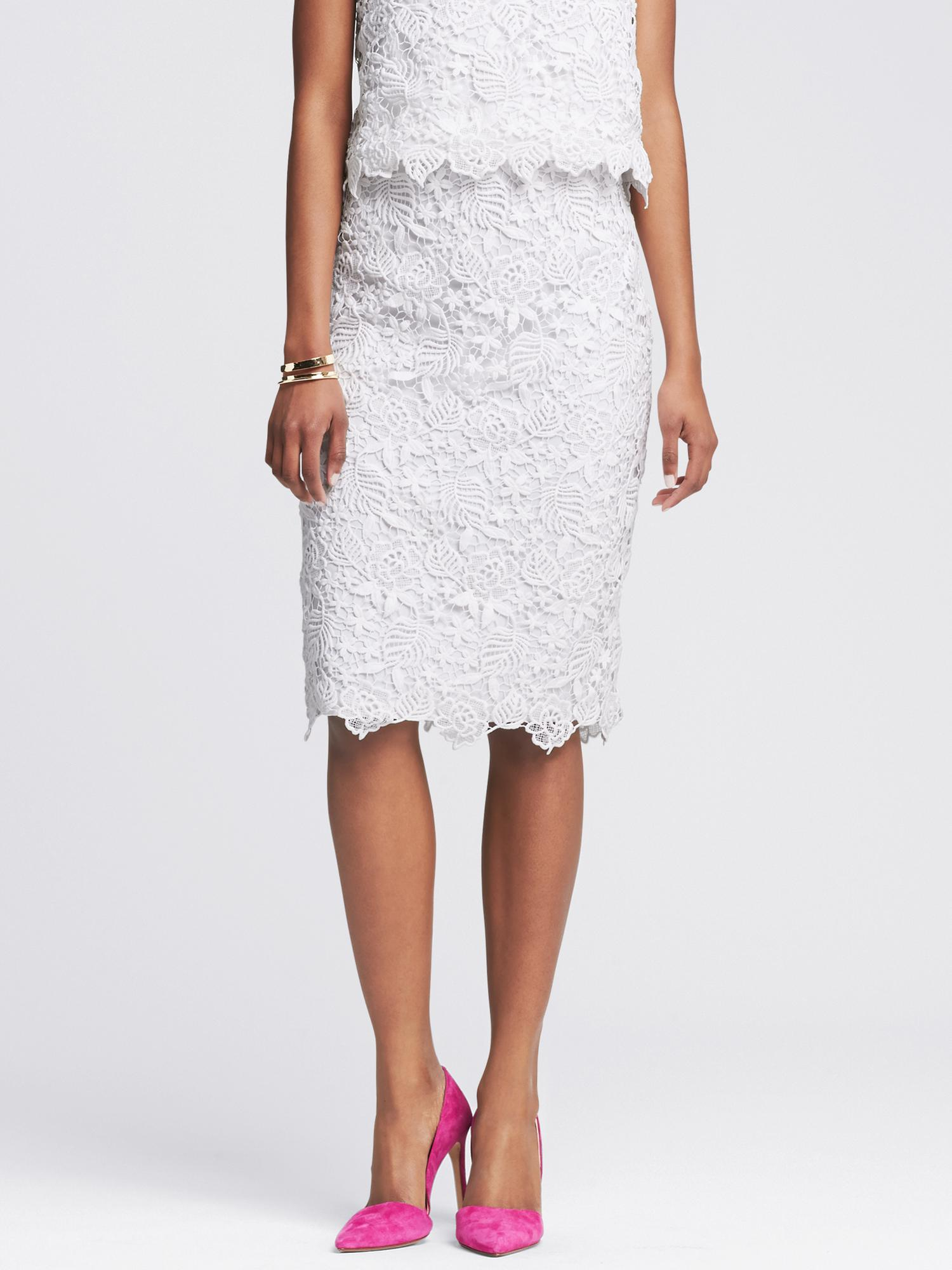 Lyst - Banana Republic Scalloped White Lace Pencil Skirt ...