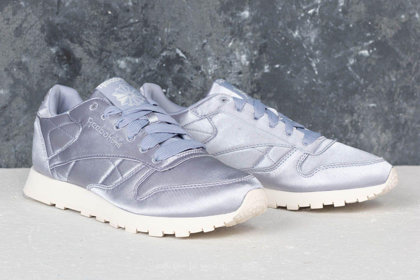 39fe702cacb1f4 Gallery. Previously sold at  Footshop · Women s Reebok Classic ...