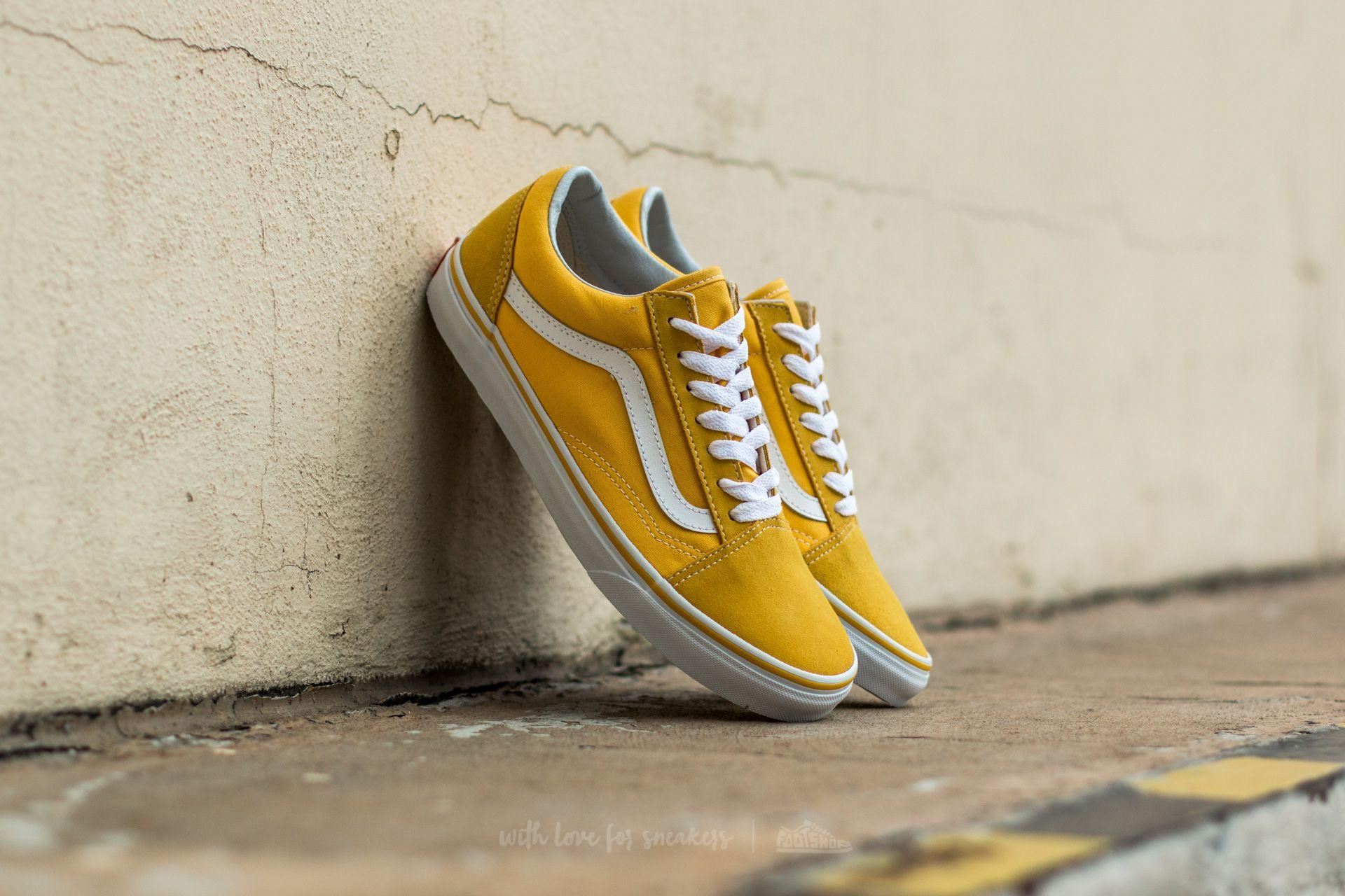 e5c969ef53a Lyst - Vans Old Skool Seude  Canvas Spectra Yellow  True White in Yellow