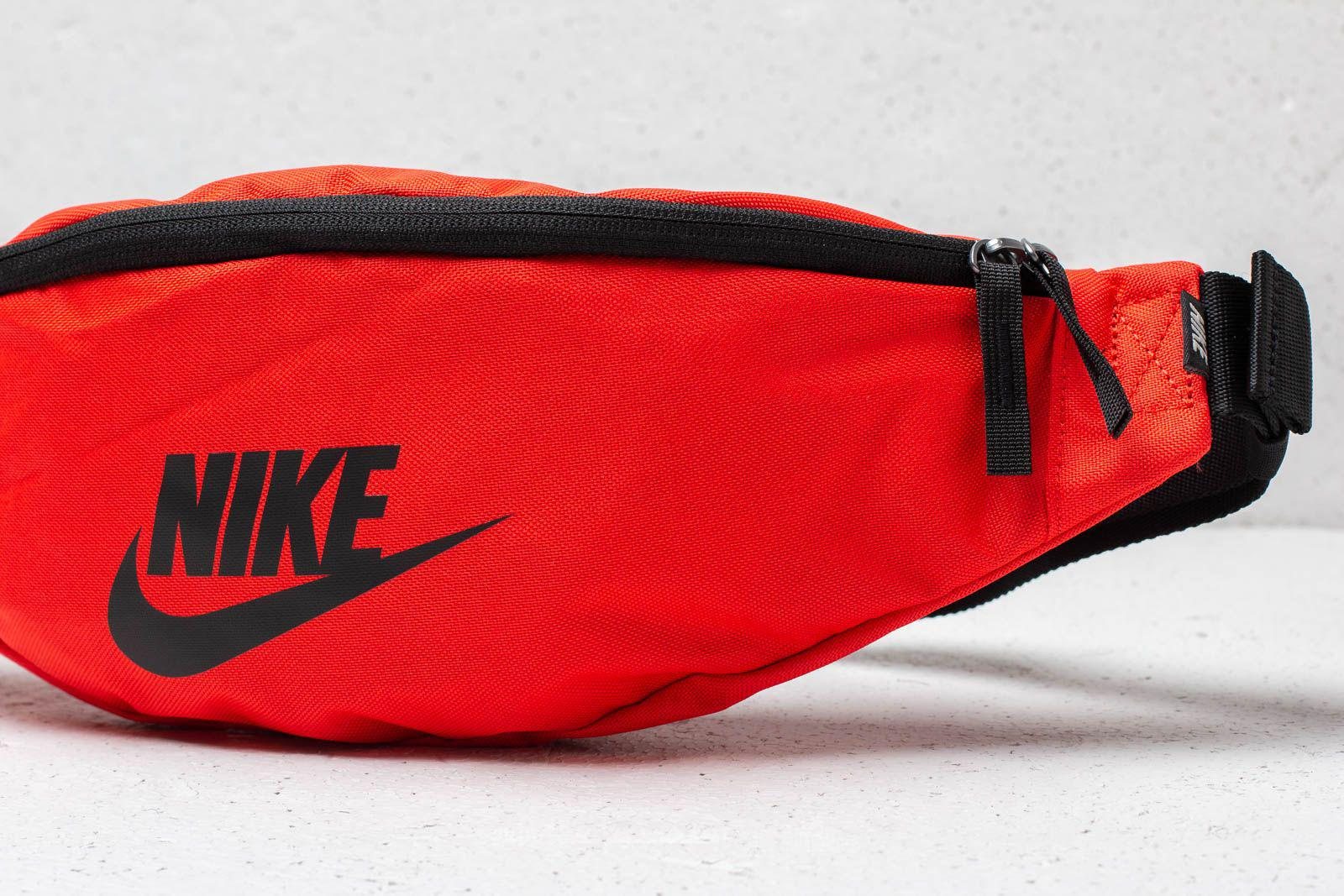 c3e5ef1b3e45 Lyst - Nike Sportswear Heritage Hip Pack University Red in Red for Men