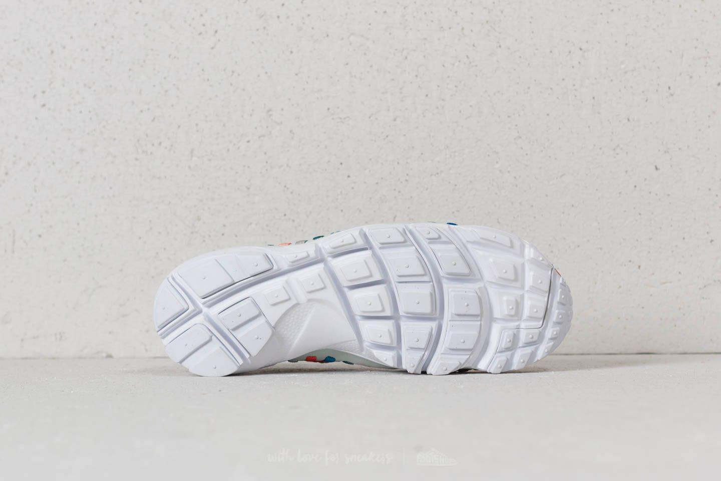 hot sales 42495 2e6bb Nike Wmns Air Footscape Woven Moon Particle/ Barely Grey in Gray - Lyst