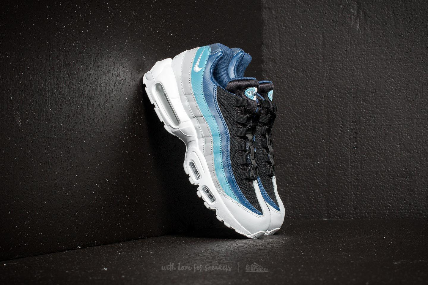 new style d9f6d 1c6e0 Nike Air Max 95 Essential