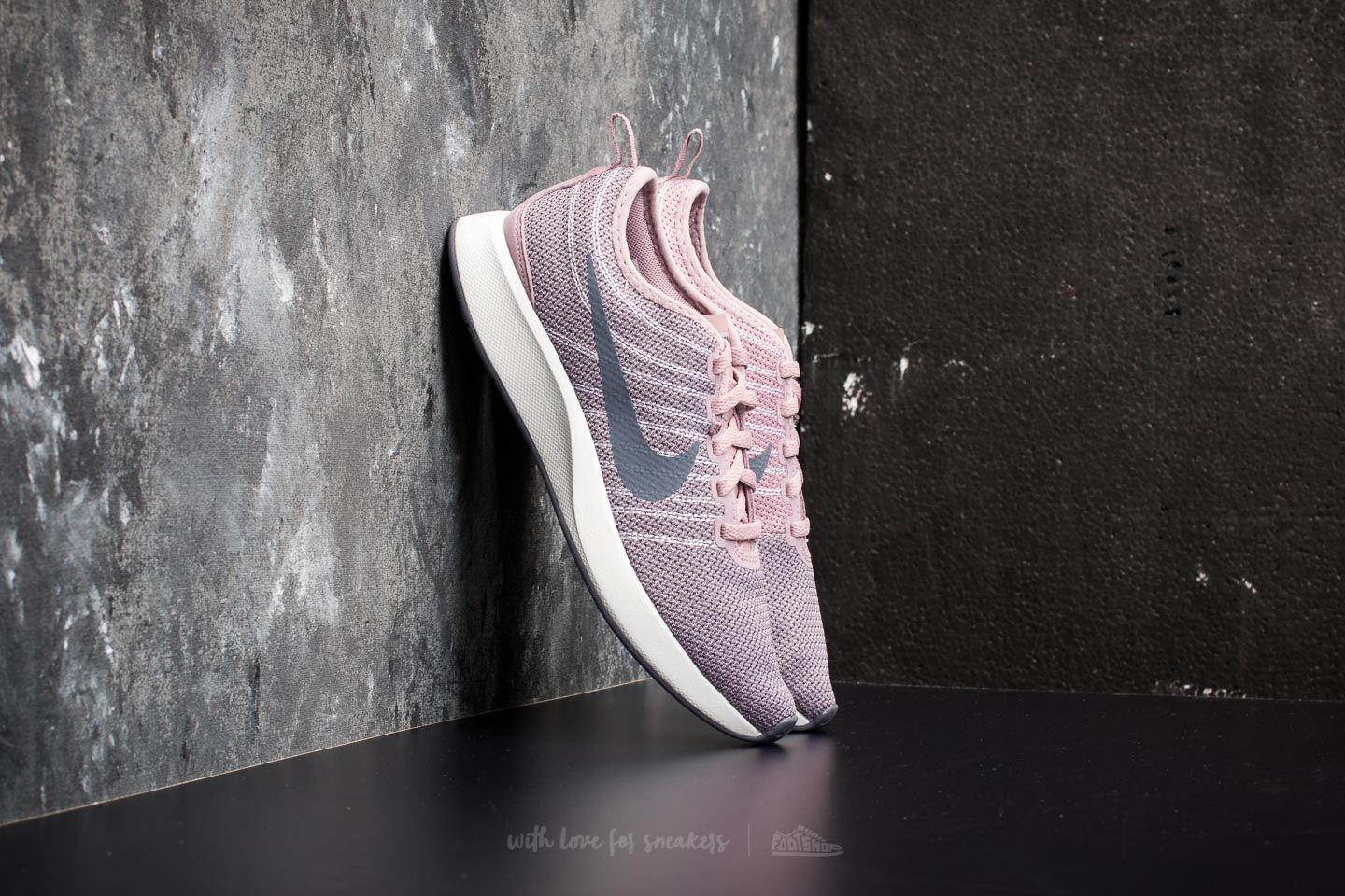 21ba8dc38ac Nike Wmns Dualtone Racer Elemental Rose  Light Carbon - Lyst
