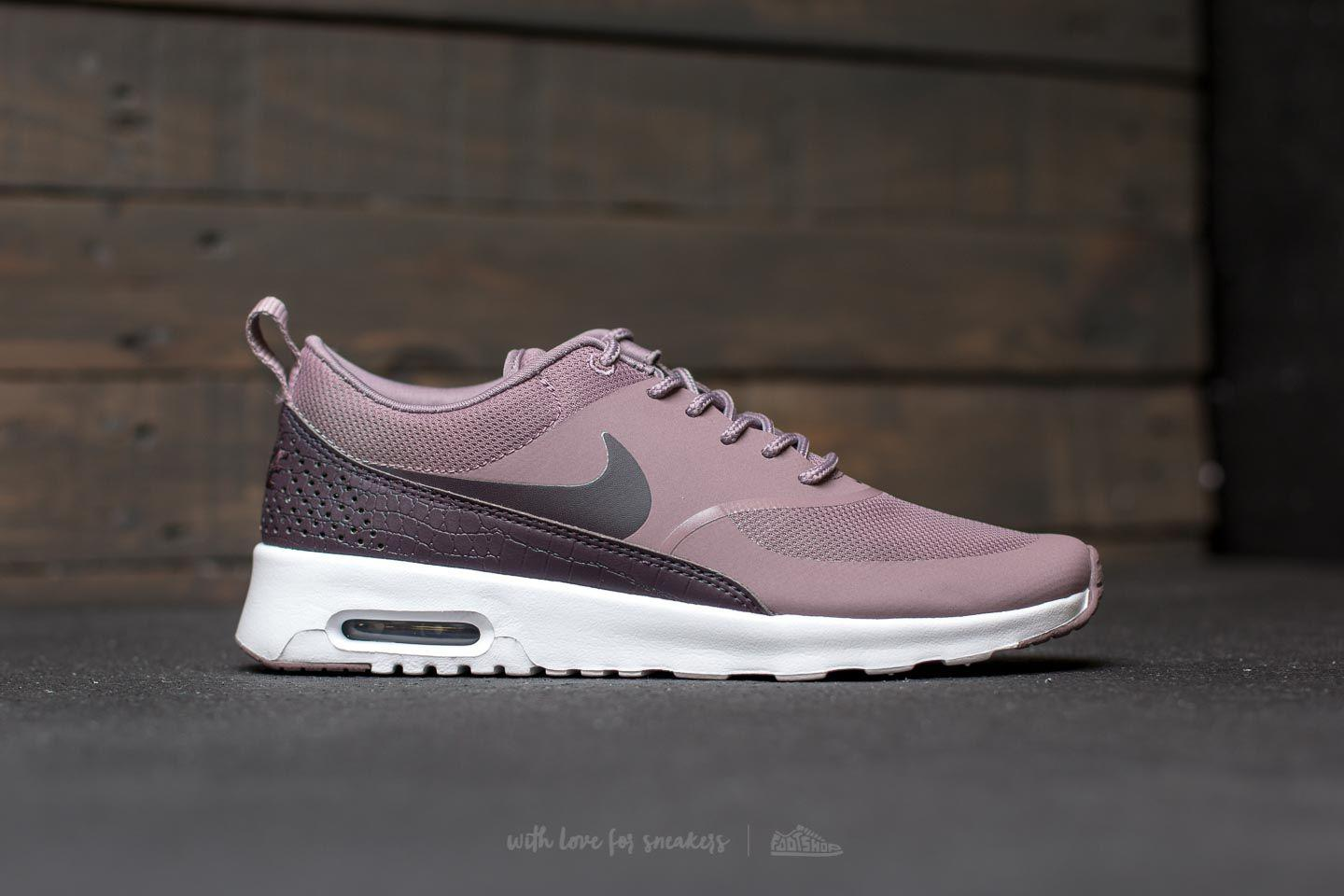 new product 4a235 dfc0c Gallery. Previously sold at Footshop · Womens Nike Air Max ...