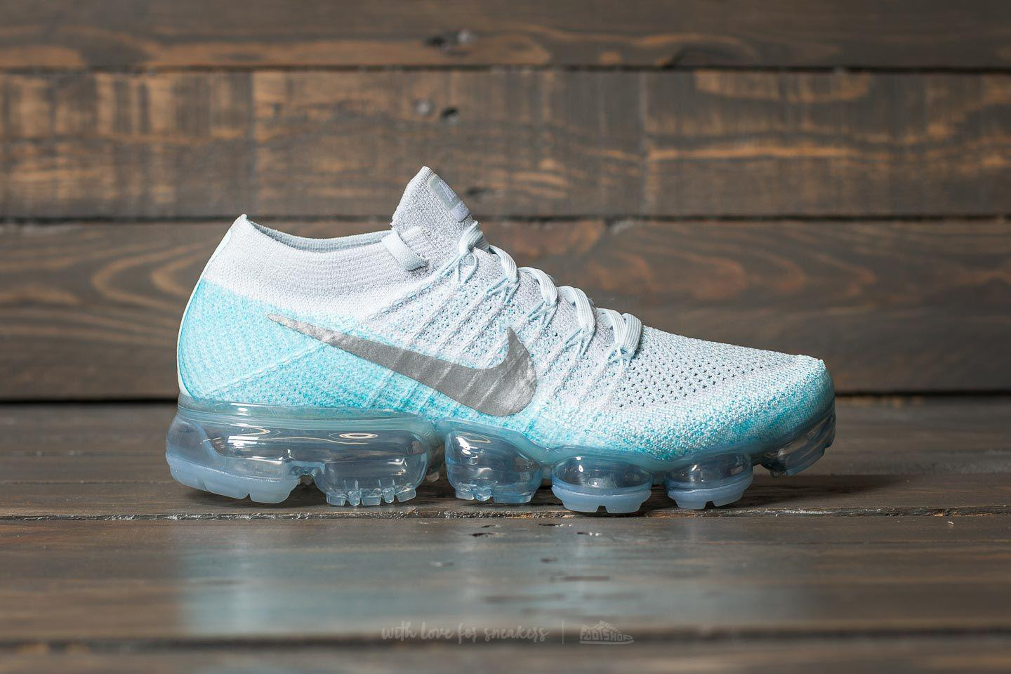 check out b1b84 d41d9 Gallery. Previously sold at  Footshop · Women s Nike Flyknit ...