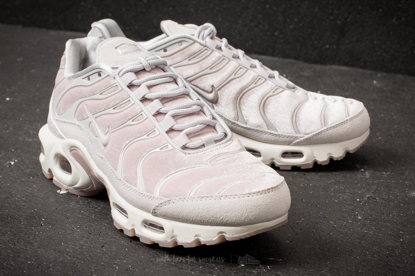 773766a9b69402 Lyst - Nike Wmns Air Max Plus Lx Particle Rose  Vast Grey in Gray
