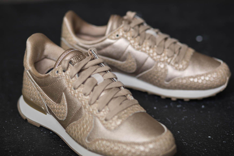 uk availability e9788 a8a2a Nike W Internationalist Premium Blur  Blur-light Orewood Brown in ...