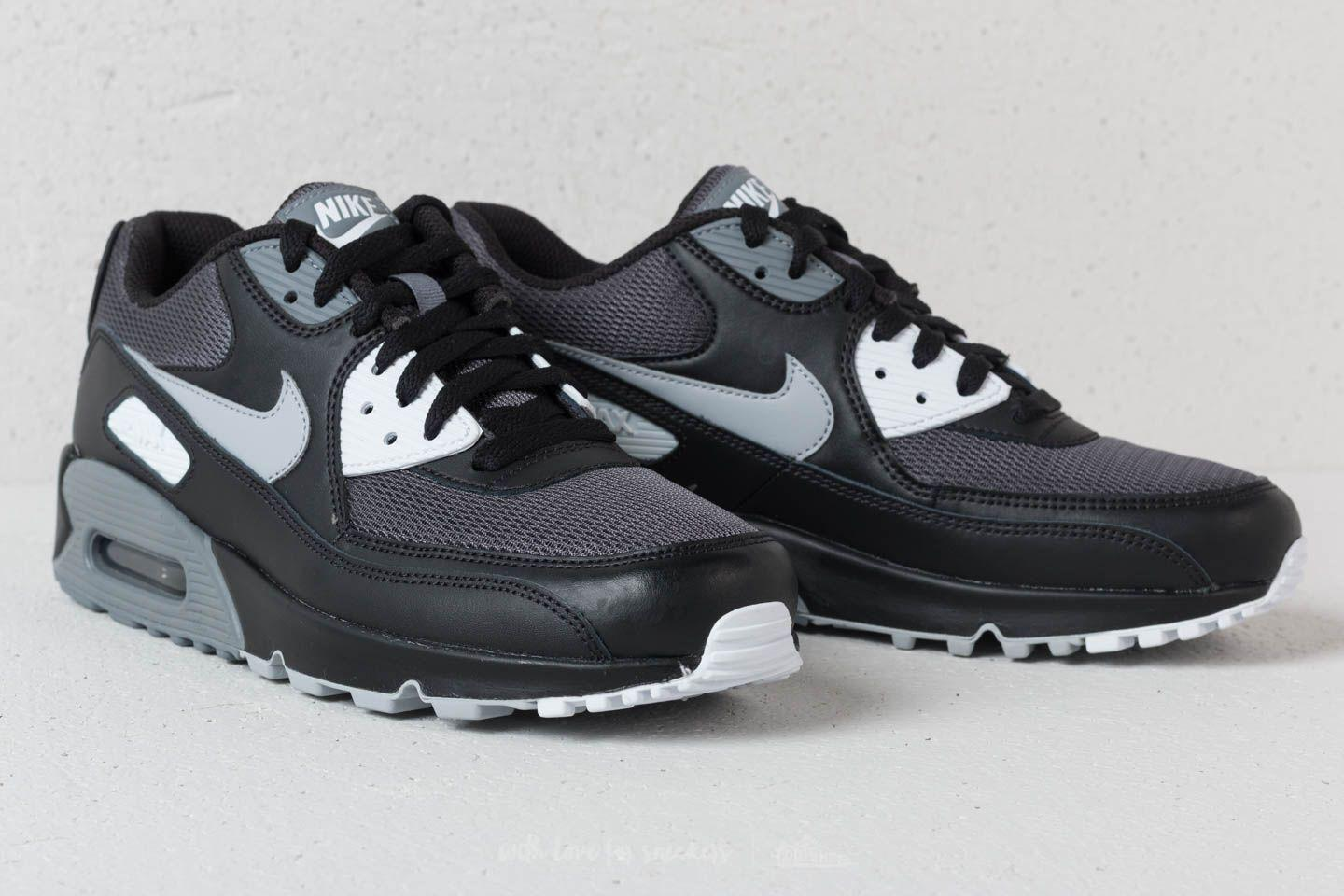 sports shoes fc66a 5b566 Gallery. Previously sold at  Footshop · Men s Air Max 90 Sneakers