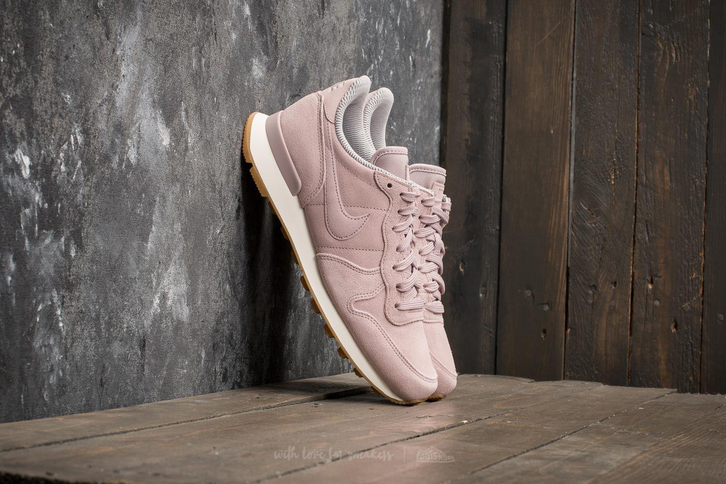 low priced b4b19 0113e Lyst - Nike W Internationalist Se Particle Rose Particle Ros
