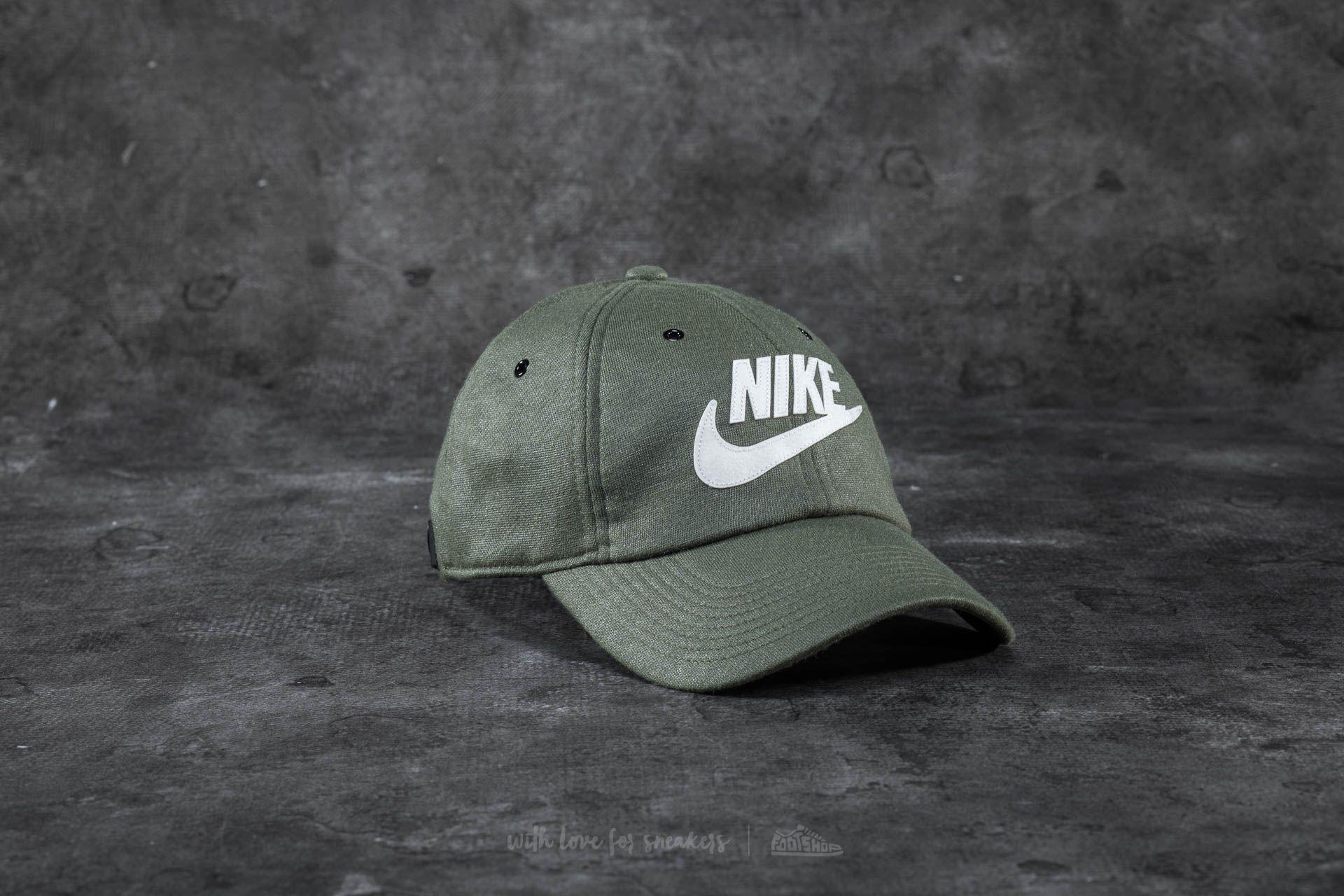 5a89c5bcb85 Lyst - Nike Sportswear Heritage86 Cap Olive for Men