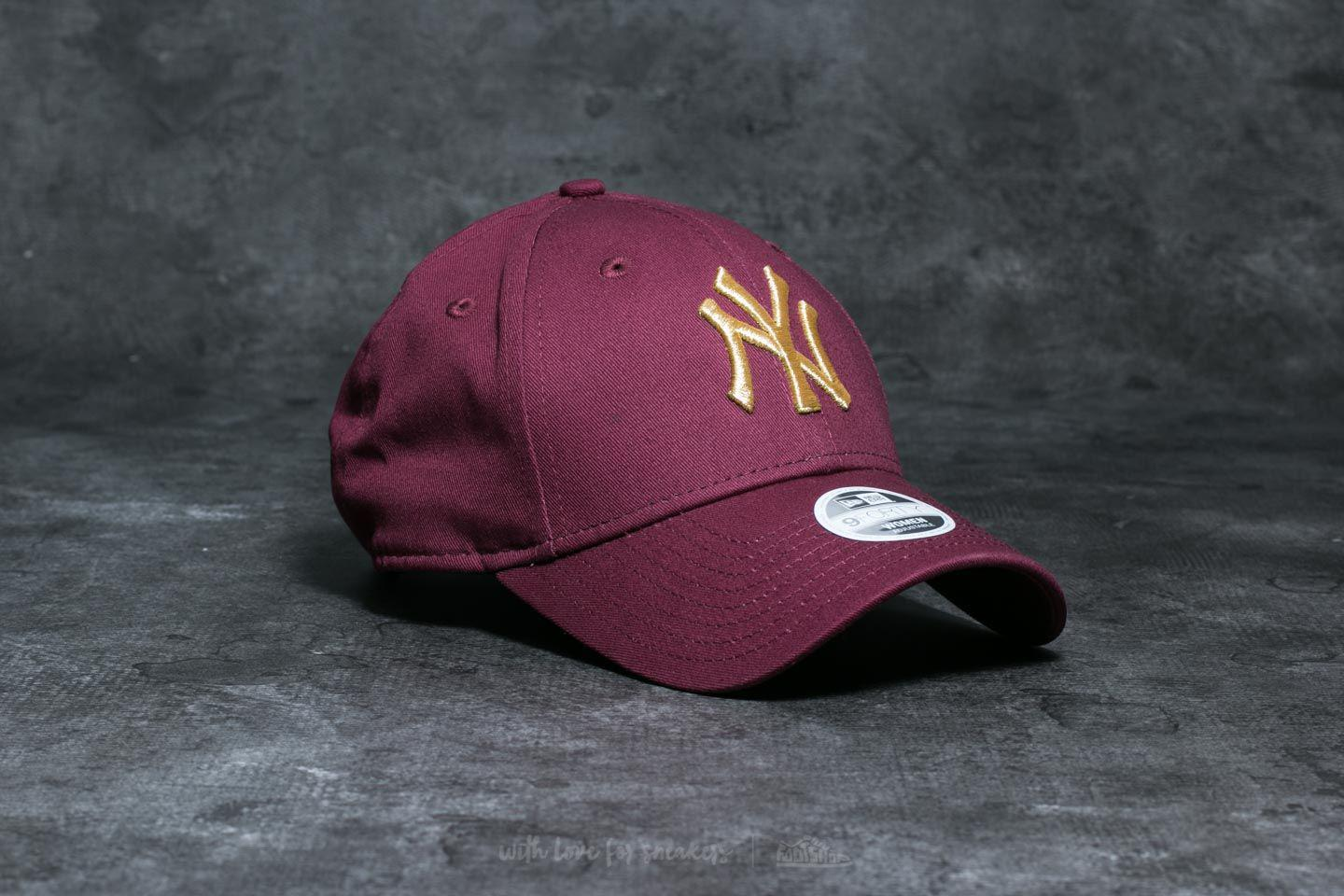 def902bf56e Lyst - KTZ 9forty Essential Wmn New York Yankees Cap Maroon  Gold ...
