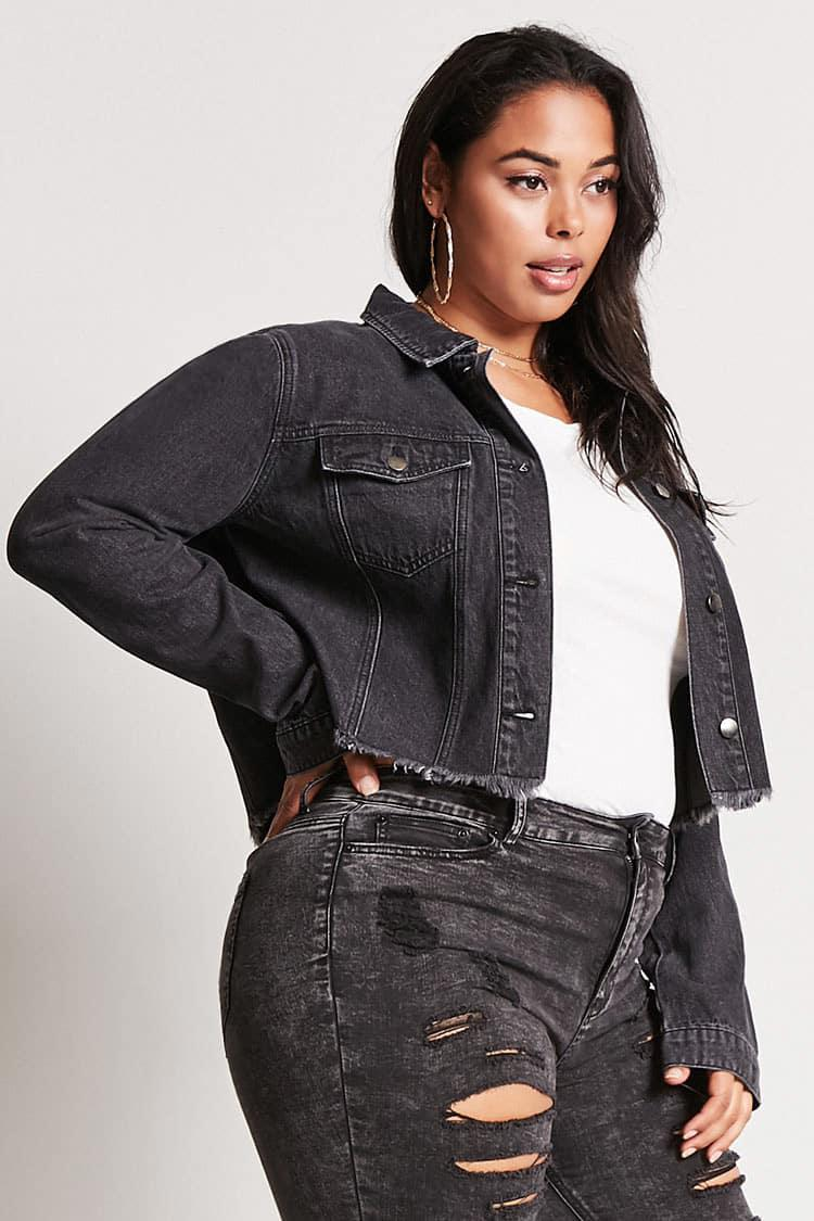 eefb81cfb9f Forever 21 Plus Size Cropped Denim Jacket in Black - Lyst