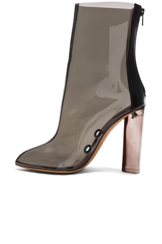 Fantastic YEEZY Season 2 Womenu2019s Beige Knit High Boots | IWomenShoes
