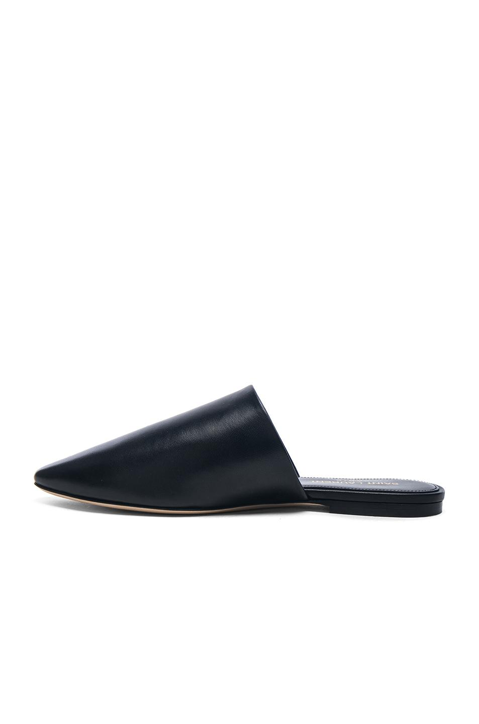 Saint Laurent Leather Bliss Mules in . vGyn2Rm