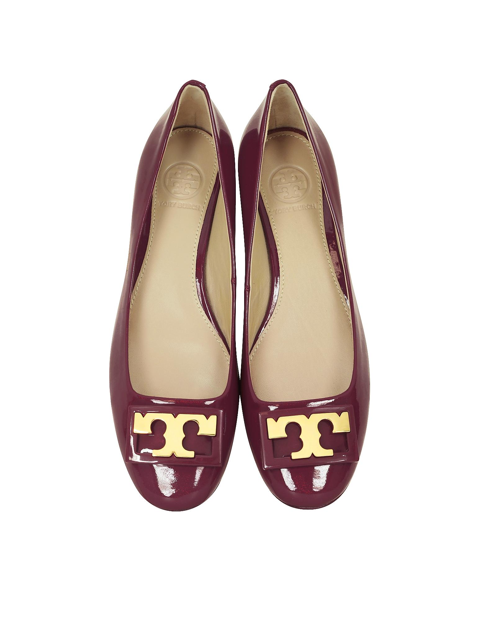 1025af2b3 Lyst - Tory Burch Gigi Burgundy Patent Leather Mid-heel Pump