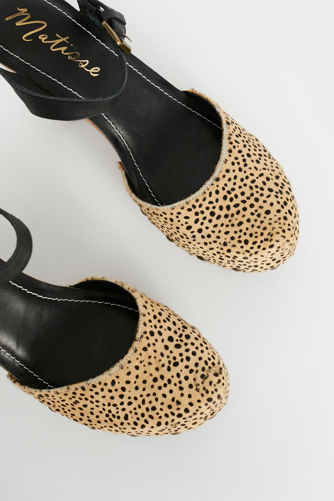 c6424a779413 Free People Downtown Clog By Matisse - Lyst