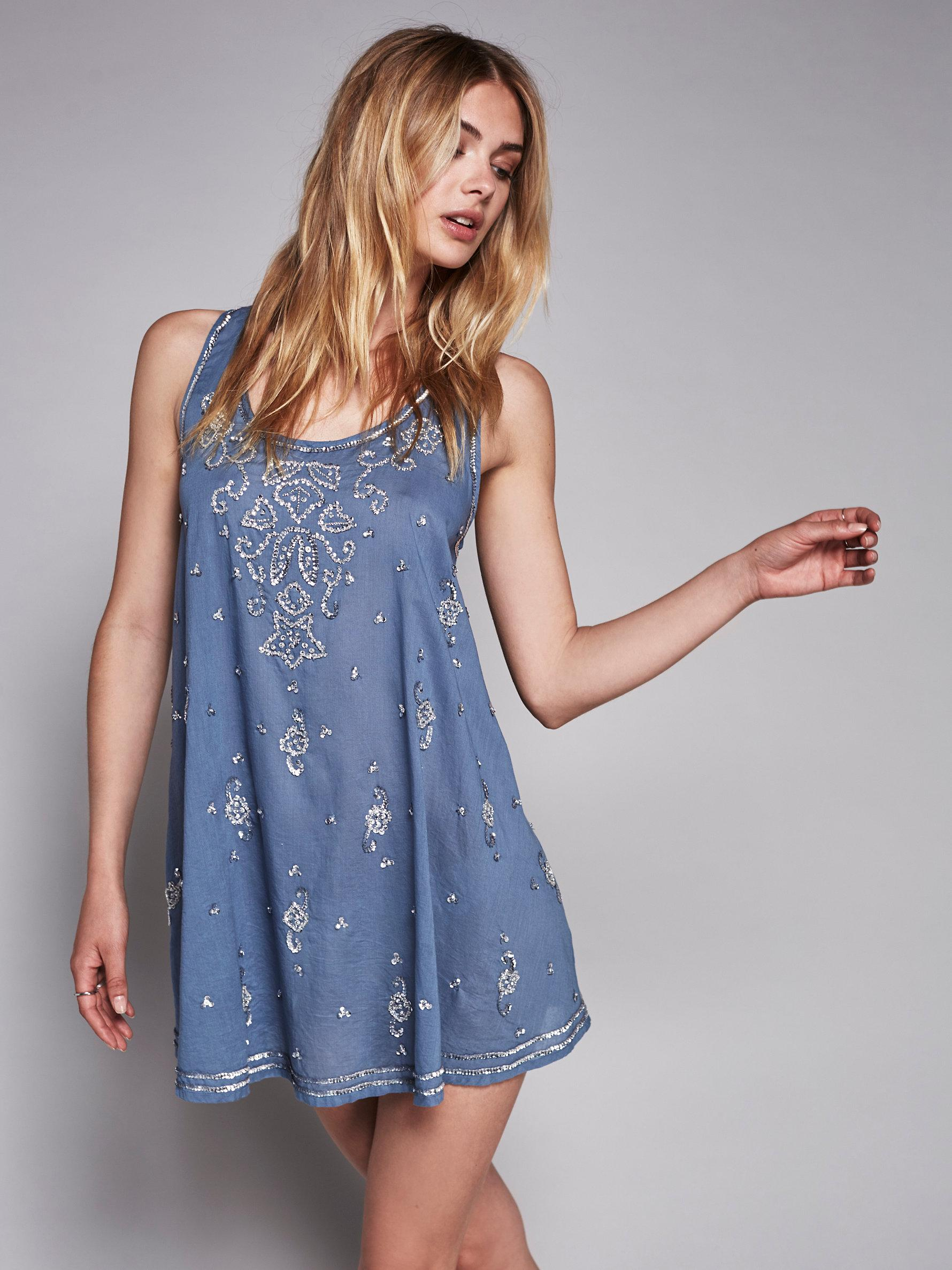 picture Womens Make Model Starry Night Plush Short Robe, Size XX-Small - Burgundy