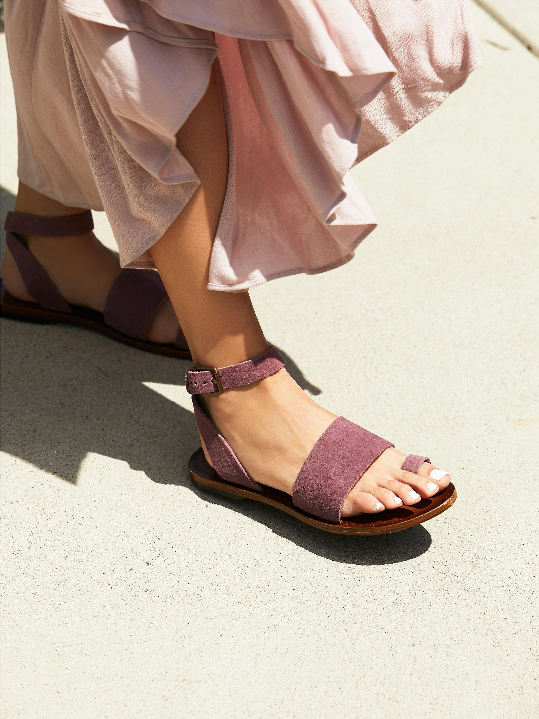 c5562cc3b3b Lyst - Free People Torrence Flat Sandal in Purple