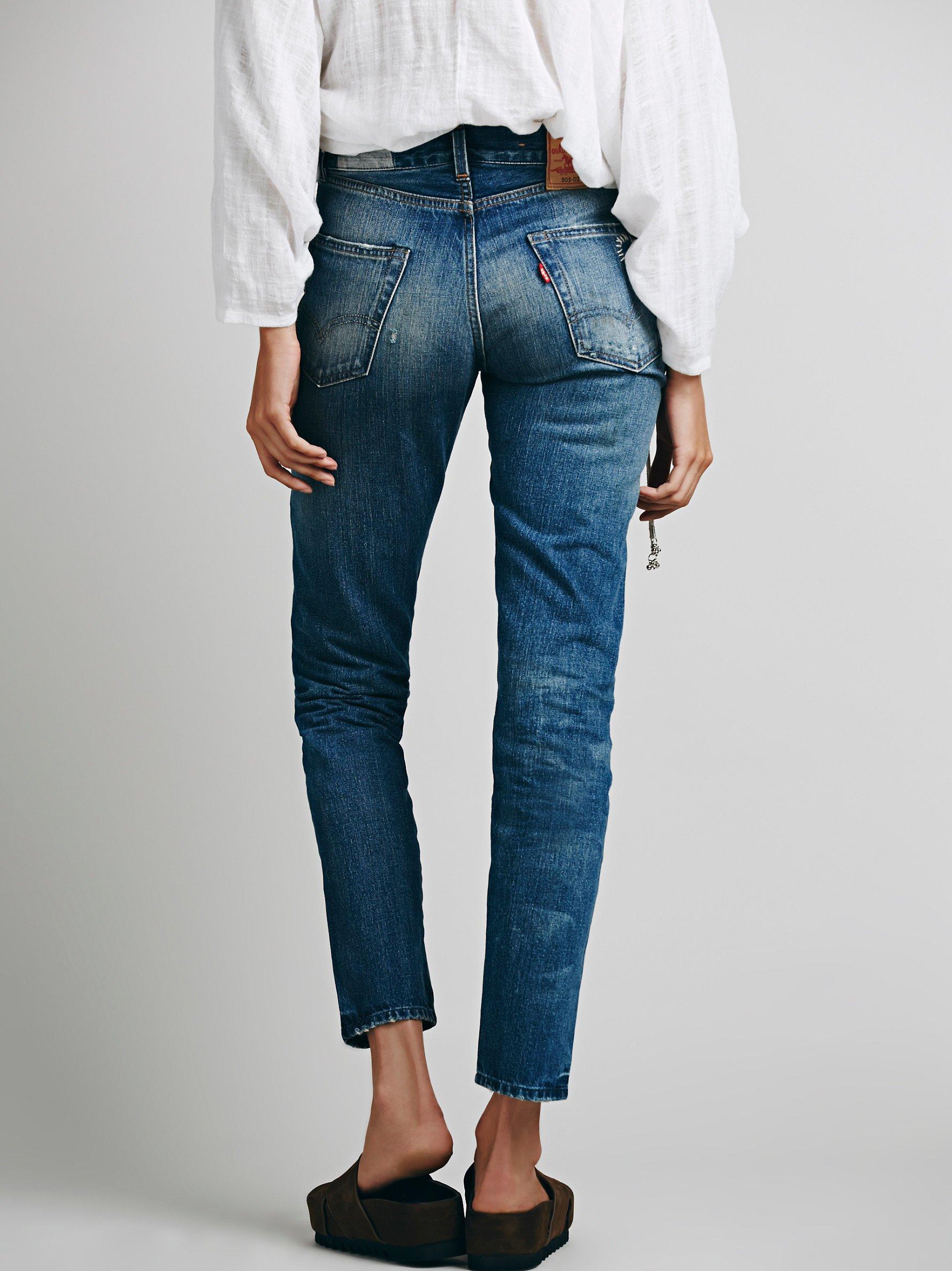Lyst Free People Levi S 505 Customized Boyfriend Jeans